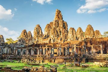 Ancient Angkor's mysterious decline may have been slow, not sudden