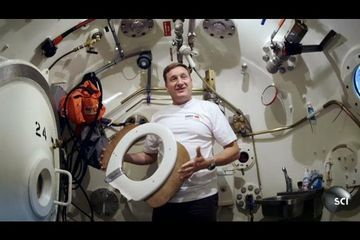 Saturation Divers Live Under the Sea for Weeks | Worlds Strangest