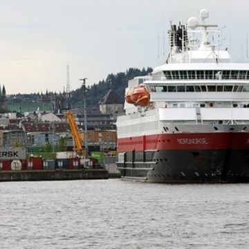 Norwegian ferries to run on dead fish