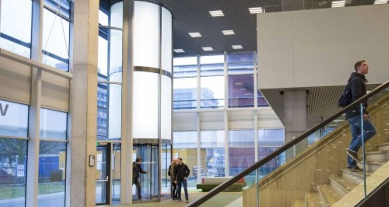 Utrecht University Installs 30-Foot Manual Revolving Door